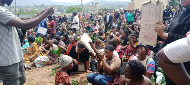 Grieving Women in Bamenda 27 October, 2020